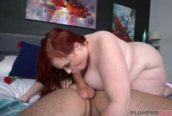 Агент на кастинге трахает рыжую огромную толстуху